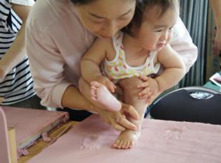 【7/18(水)開催】進化系「手形アート」に挑戦!「珪藻土」に触ってみよう