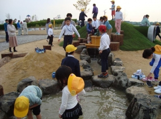 オレンジパークふなはし(京坪川河川公園)