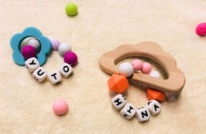 満席【5/23(木)mamaskyhouseにて】ベビーママの間で話題沸騰中♡「歯固めジュエリー™&おもちゃホルダー」を作ろう!