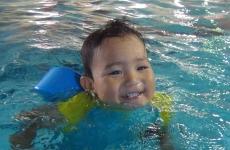 温かいプールでママもリフレッシュ♪「ベビーコース1ヶ月短期教室」開催!