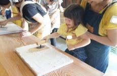 """【開催レポ】谷内建築さんで人気の""""珪藻土""""を使った手形アートにチャレンジ♪"""