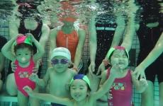 水への恐怖心をなくしちゃおう♪夏休み「短期水泳教室」開催!