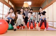 【11月スタート!】バランスボールを使って産後ケアしちゃおう♪第2期、第3期「産後トータルケアクラス」大募集!